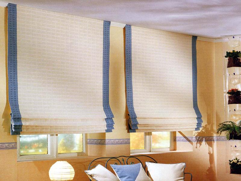 Tende a pacchetto cmt tende e coperture - Tenda bagno finestra ...